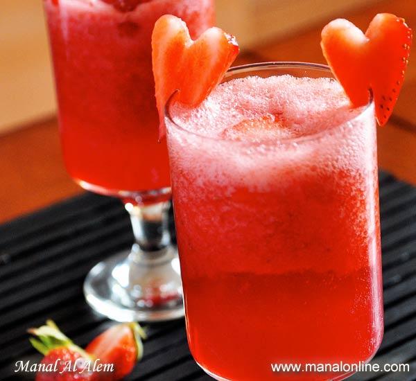 شراب الفراولة والورد الفوّار
