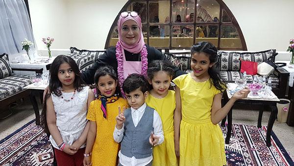 شاهد بالصور أطفال الطائف يحتفلون بمهرجان ورد الطائف 13 مع منال العالم -4