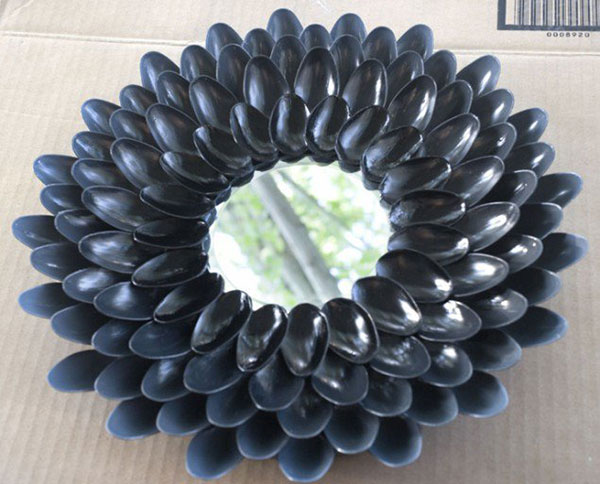 خمس أستخدامات للملاعق البلاستيك لتزيين المنزل-4