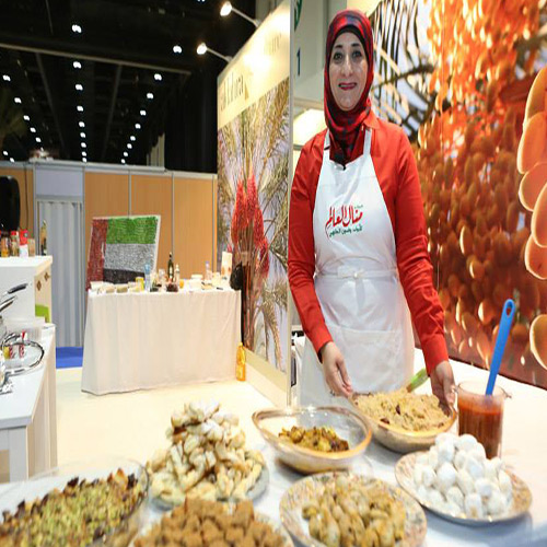 مشاركة السيدة منال العالم فى مهرجان الامارات  للنخيل والتمر