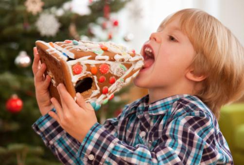 كيف تُبعد طفلك عن الحلوى؟