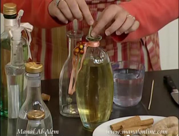 فكره لأضافة نكهه مميزه للخل وزيت الزيتون